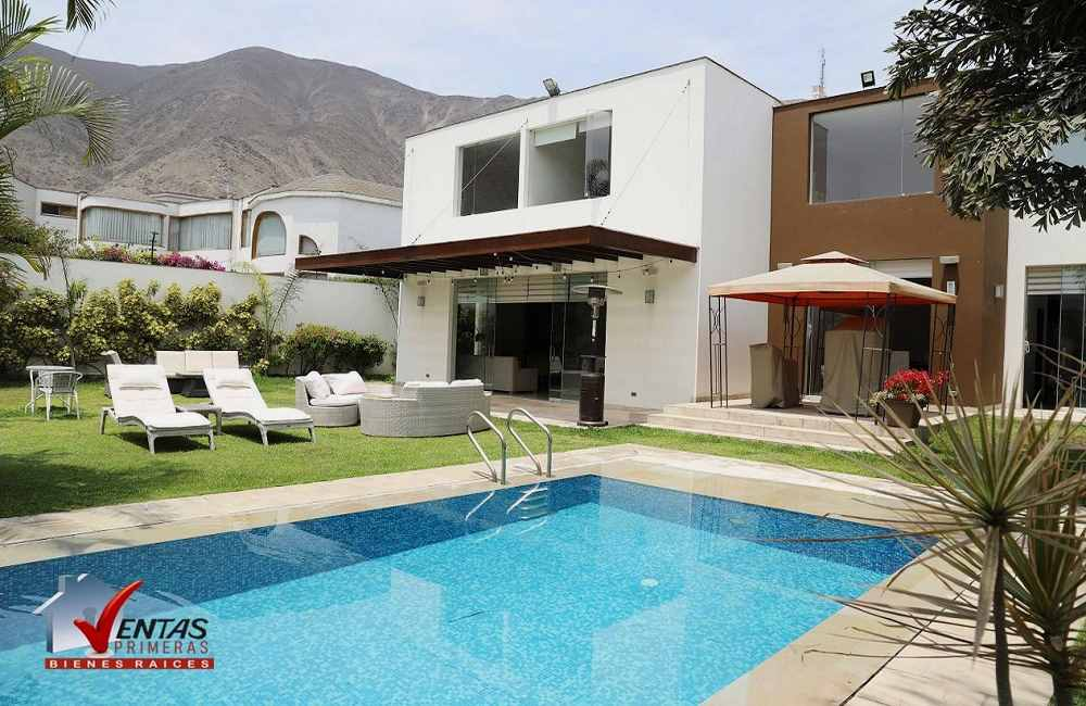 Casa moderna en La Planicie